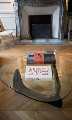 The Socialite Family - inspiration de table basse - #deco #design #table #glass #fireplace #livingroom #family #thesocialitefamily