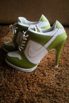 Nike Dunk Heels - Don't hate me, but these are kinda cute. Get rid of the Nike swipe & I'd wear them. Heeled Boots, Shoe Boots, Shoes Heels, Pumps, Nike Air Jordans, Nike Outfits, Dress Outfits, Nike High Heels, High Heel Tennis Shoes
