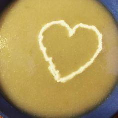 Soupe poireau - pommes de terre - poires #potage #soup #soupe #poires #pommedeterre #poire #cuisine #food #homemade #faitmaison  N'hésitez pas à nous demander la recette nous la publierons dans notre blog http://ift.tt/1q7mxub #yummy #cooking #eating #french #foodpic #foodgasm #instafood #instagood #yum #amazing #photooftheday #dinner #sweet #fresh #tasty #foodie #delish #delicious #foodpics #eat Vous pouvez nous suivre dans Twitter @mememoniq ou sur Facebook http://ift.tt/1JA3KvP
