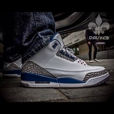 Never admit defeat #31daysofjordans #jordan #jordans #jumpman #iii #trueblue #igsneakercommunity #kicks #kicksonfire #kickstagram #todayskicks #nicekicks #soletoday #sneakers #sneakerhead #sneakerfam #sneakerfreaker - @davyc3- #webstagram