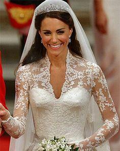 Kate Middleton wedding gown - stunning neckline!