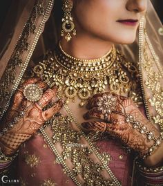 Looking for A bride in onion pink lehenga with gold jewellery? Browse of latest bridal photos, lehenga & jewelry designs, decor ideas, etc. on WedMeGood Gallery. Big Fat Indian Wedding, Indian Wedding Jewelry, Indian Jewelry, Indian Weddings, Bridal Looks, Bridal Style, Pink Lehenga, Bridal Lehenga, Sikh Wedding