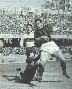 Gunnar Nordahl (AC Milan, 1949–1956, 257 apps, 210 goals) during Genoa CFC vs AC Milan 2-2, on 28 March 1954.