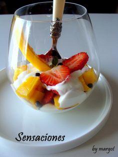 Postre de mango y fresas a la crema | Margot - Cosas de la Vida