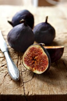 Figs have the highest amount of calcium of any fruit, and 100g (3.5 oz) of dried figs contains 16% of the daily recommended amount. Figs are also an excellent source of dietary fiber. Fruit fiber has been shown to significantly lower the risk of breast cancer in postmenopausal women. Good source of iron, magnesium, potassium, B vitamins, as well as vitamin K. Figs contain different types of antioxidants. The riper the fig, the more antioxidants it contains.