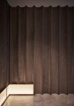Interior Cladding, Timber Cladding, Interior Walls, Decor Interior Design, Interior Styling, Interior Architecture, Interior Decorating, Wall Cladding Designs, Feature Wall Design