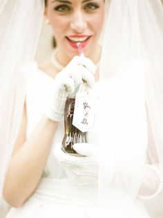 """yes i do"" tag on a coca cola bottle http://weddingwonderland.it/2016/06/matrimonio-rockabilly-anni-50.html"