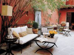 The terrace is truly a place where a lot of creativity can occur in home design. From outside lounges to coffee tables and gardens, sunbathing and even romantic settings. Have a look at here for inspiration for terrace design ideas...