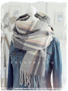 NEU XXL Damen Tuch Schal Stola mit Fransen schwarz weiß Viskose 170 x 52