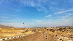Todos los caminos te llevan a... / #All #roads #lead to ...  El camino continúa múltiple escolta fuertemente armados y tenemos prohibido tomar fotos en los puestos de control el viaje.  #many #travel #travelphotography #travelling #desert #road #sky #rocks #stone #roadstone #security #egypt #africa #cairo