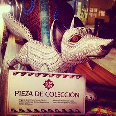Coyote Corriendo No.8 pieza de la colección de Códices y Grecas Zaporecas del Maestro Jacobo Angeles