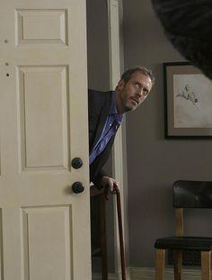 Во время прослушивания Хью Лори считал, что доктору Хаусу предназначена роль компаньона доктора Уилсона. На пробах он так хорошо изображал американский акцент, что один из исполнительных продюсеров сериала, был изумлен, узнав о том, что Лори — британец