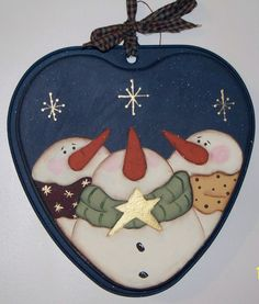 Snowman Heart...painted but would make a great aplique idea!