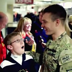 10 Touching Soldier Homecoming Videos - Grandparents.com
