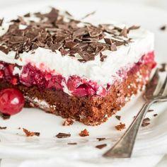 Weil jeder Schwarzwälder Kirschtorte liebt, weil nicht immer genügend Zeit für aufwändige Kuchenbäckerei ist und weil mehr Zeit für deine Lieben bleibt.