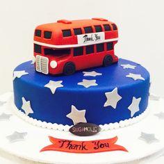 London bus London Cake, London Bus, No Bake Cake, Cake Ideas, Sweets, English, Baking, Desserts, Cakes