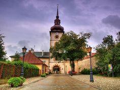Stary Sącz.  http://www.malopolska24.pl/index.php/2014/04/w-7-dni-dookola-sadecczyzny-stary-sacz/