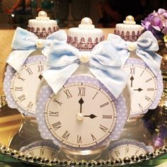 """75 Likes, 3 Comments - Promove Eventos (@promoveeventos) on Instagram: """"Águas personalizadas com o relógio da história da Cinderela! #promoveeventos #festacinderela…"""""""