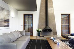 See how a frenzied deadline, building across two states and a jet-setting project manager can result in the Clovelly House - a tactile, contemporary home. Interior Design Layout, Layout Design, Grand Designs Australia, Stone Houses, Architecture Plan, Living Spaces, Living Rooms, Interior Inspiration, Creative Design