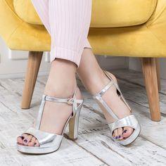 Peep Toe, Shoes, Fashion, Moda, Zapatos, Shoes Outlet, Fashion Styles, Shoe, Footwear