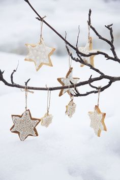 Stars are one of symbols of Christmas and are very hot for holiday décor. There are so many ideas of using them for Christmas! Christmas Mood, Noel Christmas, Christmas Is Coming, Christmas Cookies, Christmas Ornaments, Christmas Images, Diy Inspiration, Christmas Inspiration, Wrapping Ideas