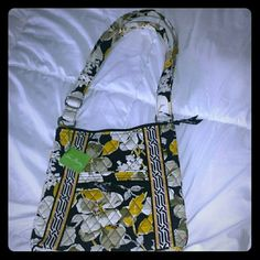 """Vera Bradley purse Vera Bradley purse with two zipper pockets on the outside.  The name is """"hipster dogwood"""" Vera Bradley Bags"""