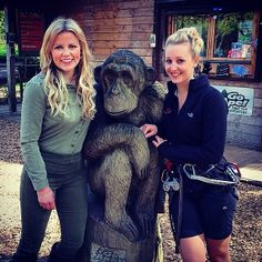 The lovely Ellie Harrison from BBC's Countryfile swung by to say hello to our Wendover tribe this week. Here she is pictured with our equally lovely instructor Jade.