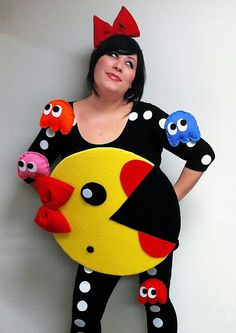 15 Coolest DIY Halloween Girls Costumes — Part 2 - - Has your daughter told you what she wants to be for Halloween yet? If not, you need to check out this list of the 15 Coolest DIY Halloween Girls Costumes — Part Darn, wish I had a GIRL! Diy Halloween Costumes For Girls, Pregnant Halloween Costumes, Cute Costumes, Couple Halloween, Halloween Diy, Costumes For Women, Group Costumes, Zombie Costumes, Witch Costumes
