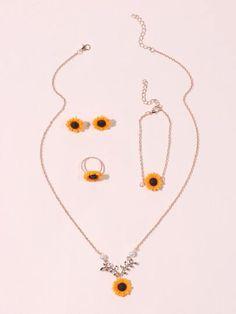 Cute Jewelry, Jewelry Crafts, Jewelry Sets, Jewelry Accessories, Unique Jewelry, Chain Jewelry, Sunflower Necklace, Sunflower Jewelry, Bullet Earrings