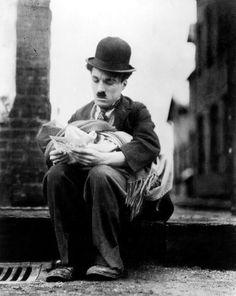 "Charles Chaplin en ""El Chico"" (The Kid), 1921"