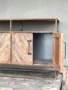 Landelijk stoer metaal houten dressoir kast sidetable landelijk 4 deuren deurtjes legplanken audio televisiemeubel tvkast televisiekast