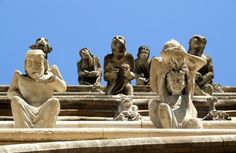 Gargoyles of the church Notre-Dame in Dijon, Burgundy, France Sacred Architecture, Cultural Architecture, Architecture Details, Notre Dame Gargoyles, Sculptures, Lion Sculpture, Green Man, Historical Pictures, Stone Carving
