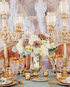 This Versailles-inspired setup is giving off major luxe vibes!