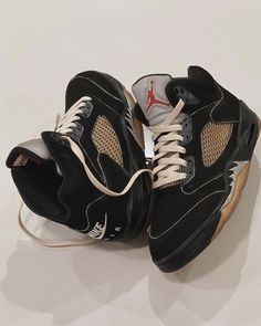 Shoes Sandals, Shoes Sneakers, Aesthetic Shoes, Fresh Shoes, Hype Shoes, Sneaker Heels, Swagg, Shoe Game, Jordan Shoes