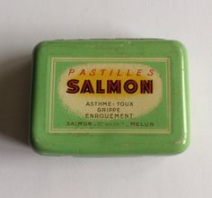 Vintage French metal medicine tin pill box from by LostPapers, €7.00