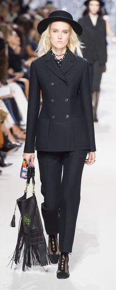 Christian Dior Spring-summer 2018 - Ready-to-Wear - http://www.orientpalms.com/Christian-Dior-6938 - ©ImaxTree