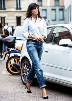 How to Wear Boyfriend Jeans Without Feeling Schlumpy | THE REFINERY
