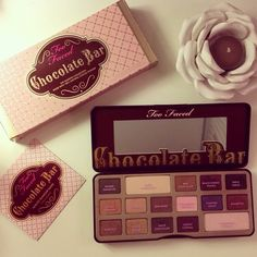 """Chocolate Bar"" Too Faced, portacandela a forma di rosa di Maison du monde"