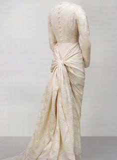 Cristobal Balenciaga wedding dress