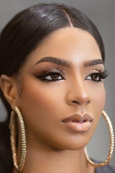 We have collected gorgeous black bride makeup ideas. In our gallery you will find makeup variety for different wedding styles. Black Wedding Makeup, Summer Wedding Makeup, Best Wedding Makeup, Wedding Hair And Makeup, Wedding Black, Wedding Bride, Nude Makeup, Skin Makeup, Bride Makeup Natural