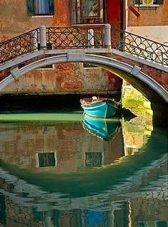Venice, Italy Bridges and boats - Explore the World with Travel Nerd Nici, one Country at a Time. http://travelnerdnici.com