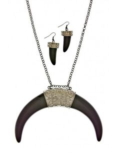 Royal Saber Tooth Necklace Set