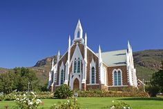 Church in Piketberg (Dutch Reformed) [Cape Town, South Africa) Old Country Churches, Old Churches, Cathedral Church, My Church, Church Fundraisers, Church Architecture, Church Building, Chapelle, Place Of Worship