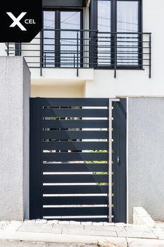 Aluminum garden gate in dark grey // Nowoczesna furtka aluminiowa w kolorze antracytowym Modern Fence, Full Moon, Lockers, Locker Storage, Furniture, Home Decor, Harvest Moon, Decoration Home, Room Decor