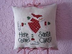Here Comes Santa Claus - Lizzie kate