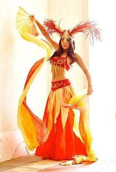 Resultado de imagen para pintura de mujer con vestido de flores naturales