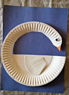 DIY Swan Paper Plate Craft For Kids #Bird art project #paper plate art project #cheap and easy | CraftyMorning.com