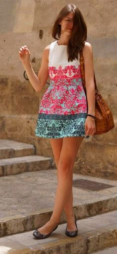 Like the style and fit of this dress as well as color scheme and pattern but simplicity at the same time