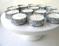 glitter tea lights...what an easy, cute idea