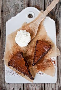 #otb Šokoladinis pyragas + plakta grietinėlė = dangiškas skonis.